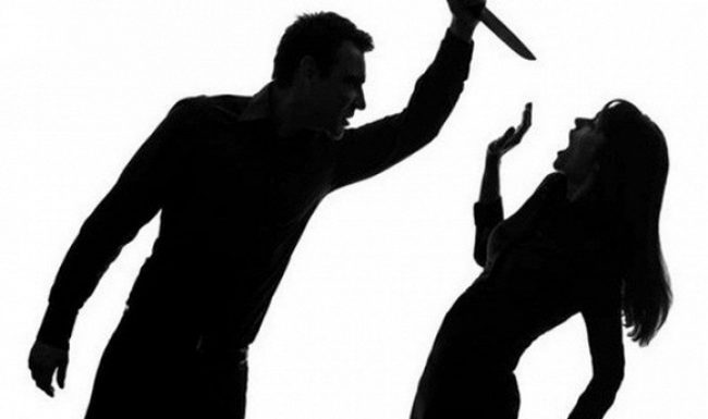 Mâu thuẫn gia đình, chồng dùng dao đâm vợ tử vong, bố mẹ vợ trọng thương rồi tự sát bất thành